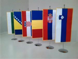 3. Državne namizne zastavice