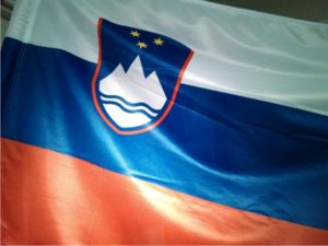 Prodajamo slovenske zastave